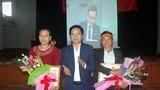 Quê nhà Phan Văn Đức và Phạm Xuân Mạnh trao quà động viên hai cầu thủ