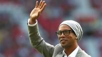 Ronaldinho bắt đầu sự nghiệp chính trị ở Brazil
