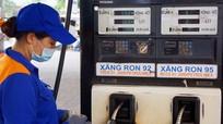 Giá xăng giữ nguyên, dầu tăng