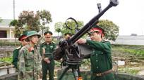 Kiểm tra công tác huấn luyện chiến sĩ mới ở Trung đoàn 764