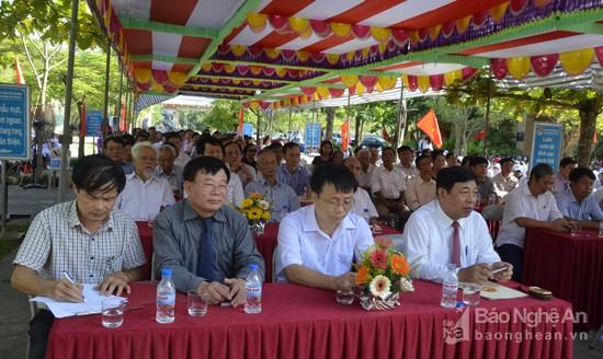 Trường THPT Kim Liên đón Bằng công nhận trường đạt chuẩn Quốc gia